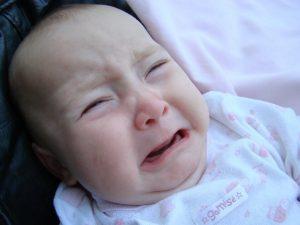 kolieken behandelen voor baby's en kinderen